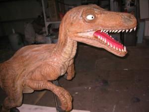 恐竜。 全長1m50ほど。